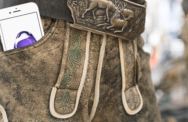 Das Handy in der Lederhose