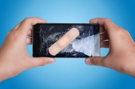 Pflaster auf Smartphone