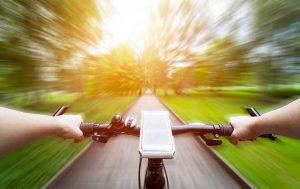 Akku unterwegs aufladen: Handy aufladen am Fahrrad
