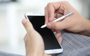 Smartphone mit Touch-Pen