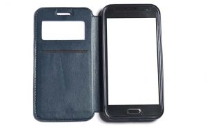 Smartphone mit Hülle