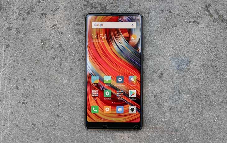 Das Xiaomi Mi Mix 2 hat kaum Rand