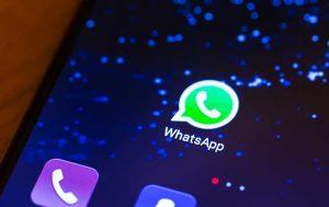 WhatsApp von iPhone auf Android übertragen: Handy mit Whatsapp Button
