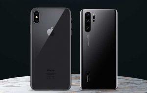 Huawei P30 Pro vs. iPhone Xs Max: Die Rückseite der Smartphones nebeneinander