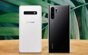 Huawei P30 Pro vs. Samsung Galaxy S10 Plus: Beide Geräte von hinten