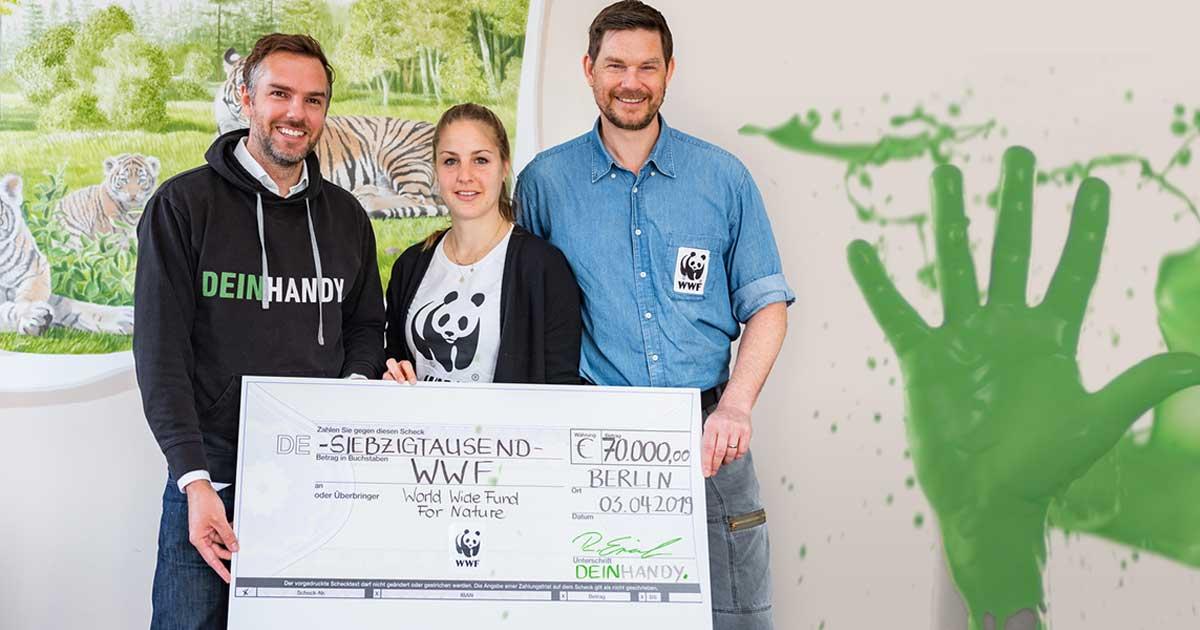 DEINHANDY spendet 70.000 Euro an den WWF