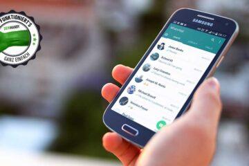 WhatsApp-Nummer ändern: Smartphone mit WhatsApp in der Hand