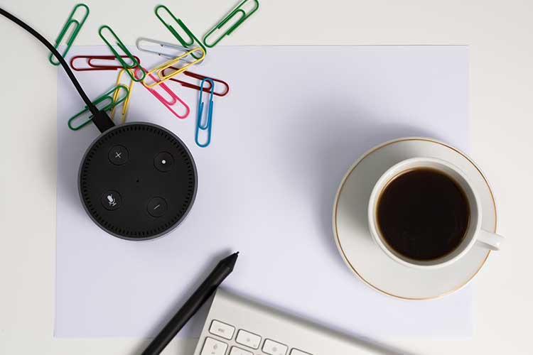 Alexa für den Schreibtisch