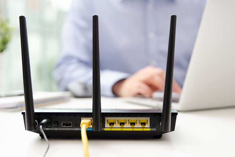 WLAN-Router zentral positionieren.