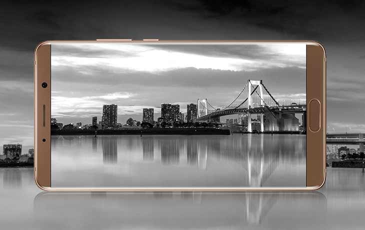 Nuki Bridge: Bridge steckt in der Steckdose
